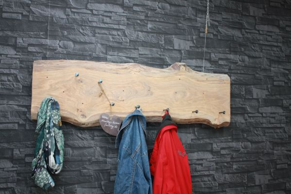 Garderobe aus Eichenholz massiv & gescmiedeten Nägeln