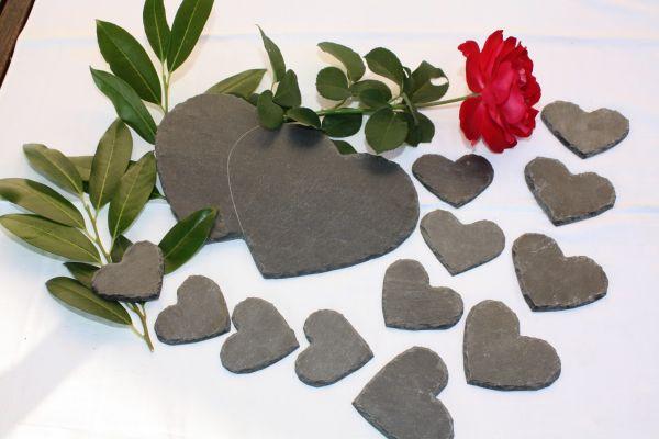 100 Schiefer Herzen Tischkarten 7 cm